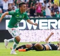 Ángel Mena tras marcar su tanto.