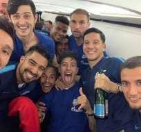 Noboa celebran junto a sus compañeros. Foto: Twitter Noboa.