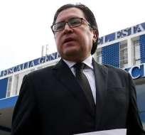 QUITO, Ecuador.- El abogado Carlos Poveda, presentó este lunes un escrito contra la pericia en Fiscalía. Foto: Archivo