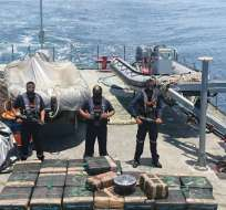 ECUADOR.- En el último caso, detuvieron a 22 personas que iban en un buque, enganchado a 8 lanchas. Foto referencial