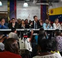 """Guaidó denuncia que gobierno de Maduro busca """"cerrar"""" el Parlamento. Foto: AFP"""