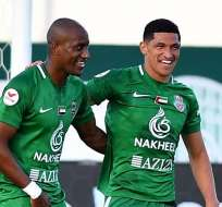 Jaime Ayoví (izquierda) celebra su gol.