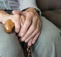 Mujer de 102 años sospechosa de matar a su vecina. Foto: Pixabay