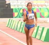 Karla Jaramillo en su llegada a la meta.