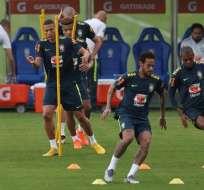 Neymar en una práctica de Brasil.