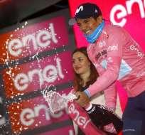 La española de 39 años es la entrenadora del ciclista ecuatoriano. Foto: LUK BENIES / AFP