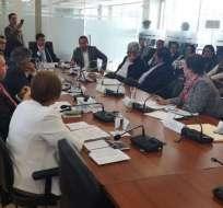 El informe se aprobó con ocho votos. Foto: Patricio Díaz