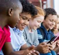 Conoce cómo mantener seguros a tus hijos en internet. Foto: Getty Images