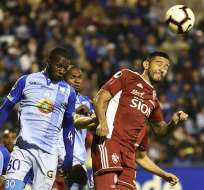 El entrenador de Macará aseguró que en los minutos finales los nervios les pasaron factura. Foto: RODRIGO BUENDIA / AFP