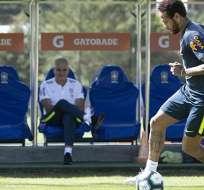 Neymar en los entrenamientos de su país.