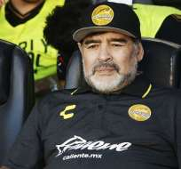 Maradona en la banca de Dorados.