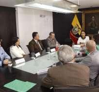 QUITO, Ecuador.- Los integrantes electos del CPCCS mantuvieron una reunión preparatoria en el CNE. Foto: Twitter