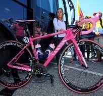 La Canyon Ultimate CF SLX, color rosa de Richard Carapaz del Giro de Italia.