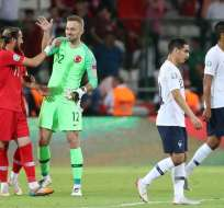 Los vigentes campeones mundiales cayeron 2-0 en condición de visita. Foto: ADEM ALTAN / AFP
