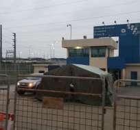 GUAYAQUIL, Ecuador.- Este centro penitenciario es custodiado por efectivos de las Fuerzas Armadas. Foto: Ecuavisa