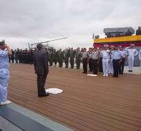 El Ministro de Defensa y el Comandante General de la Armada despidieron en ceremonia a la corbeta. Foto: Twitter @armada_ecuador