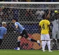 El delantero uruguayo destacó la actuación del arquero ecuatoriano. Foto: LUIS ACOSTA / AFP