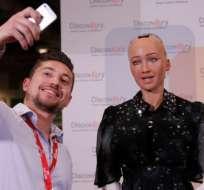 El robot humanoide Sofía participa en conferencias y ha recibido la ciudadanía de Arabia Saudita. GETTY IMAGES