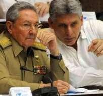 El ex y actual presidente de Cuba: Raúl Castro y Miguel Díaz-Canel. Foto: Referencial/ Internet