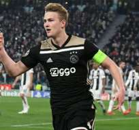 Matthijs de Ligt celebrando un gol del Ajax.