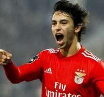 Joao Félix con la camiseta del Benfica.