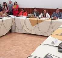 Exprefecto y actual prefecta de Pichincha cuestionan veracidad de caso 'Arroz verde'.  Foto: Twitter Comisión Fiscalización