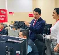 Las llamadas son recibidas por operadores del ECU 911. Foto: Servicio Integrado de Seguridad ECU 911