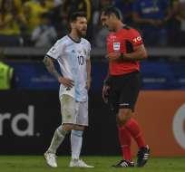 La figura de la selección argentina atacó al juez central ecuatoriano tras la semifinal. Foto: PEDRO UGARTE / AFP