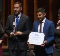 Iván Maestre y José Alvarado recibieron el reconocimiento en Brasil.