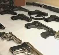 El detenido no pudo justificar la procedencia de las armas. Foto: captura de video
