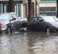 Según los servicios meteorológicos de EEUU, puede convertirse en huracán. Foto: Twitter @b_pearson