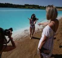 La verdad detrás de las azules aguas de un lago en Siberia. Foto: AFP