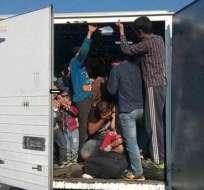 MÉXICO.- Dentro del camión viajaban 66 menores de edad. Foto: diario.mx