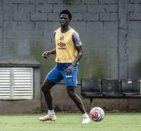 Jackson Porozo en un entrenamiento del Santos.