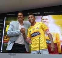 José Francisco Cevallos dio la bienvenida a Arce y presentó al abogado que los defiende. Foto: API