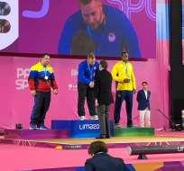 Jorge Arroyo en el podio recibiendo la medalla. Foto: @Lima2019Juegos