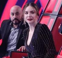MÉXICO.- La cantante forcejeó con Ricardo Montaner, en broma, y se le abrió el vestido. Foto: Instagram