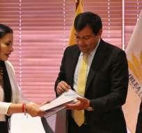 QUITO, Ecuador.- Autoridades de la Función Electoral entregaron el proyecto de reformas a la Asamblea. Foto: API