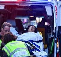 Ciudadanos detienen a atacante con cuchillo en Australia. Foto: AP