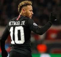 Neymar con el uniforme del PSG.