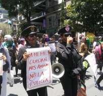 250 mujeres se manifestaron el lunes en la capital para exigir castigo. Foto: Twitter SubVersionesAAC