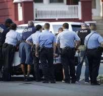 Al menos 5 policías quedaron heridos, según CNN en Español. Foto: AP