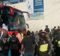 QUITO, Ecuador.- La Policía trabaja en la recaptura de los reos del centro de detención provisional El Inca. Foto: Archivo