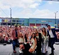 """QUITO, Ecuador.- Parte del elenco de """"Sharon: El Desenlace"""" se presentó al sur de la capital. Foto: Ecuavisa"""