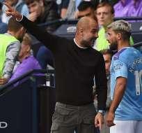 El entrenador y el jugador discutieron tras la salida del 'Kun' del campo de juego. Foto: OLI SCARFF / AFP