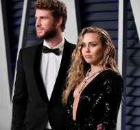 BEVERLY HILLS, EEUU.- Hemsworth y Cyrus durante un evento tras los Óscar del 2019. Foto: AFP