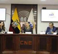 QUITO, Ecuador.- El CNE aprobó entrega de formularios para que Comité recoja firmas para eliminar el CPCCS. Foto: API