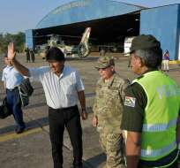 El percance ocurrió mientras el presidente ayudaba a brigadistas que intentaban sofocar un incendio forestal.