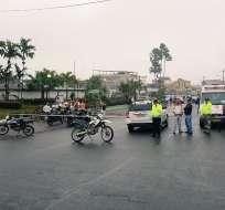 NARANJAL, Ecuador.- Se hablaba de rehenes, pero autoridades descartaron víctimas tras controlar la situación. Foto: Policía