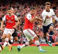 El clásico londinense terminó 2-2 a pesar que los 'spurs' se adelantaron en dos ocasiones. Foto: BEN STANSALL / AFP